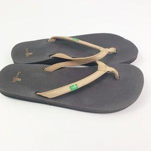 Sanuk Tan Black Yoga Mat Flip Flop Sandals Size 6